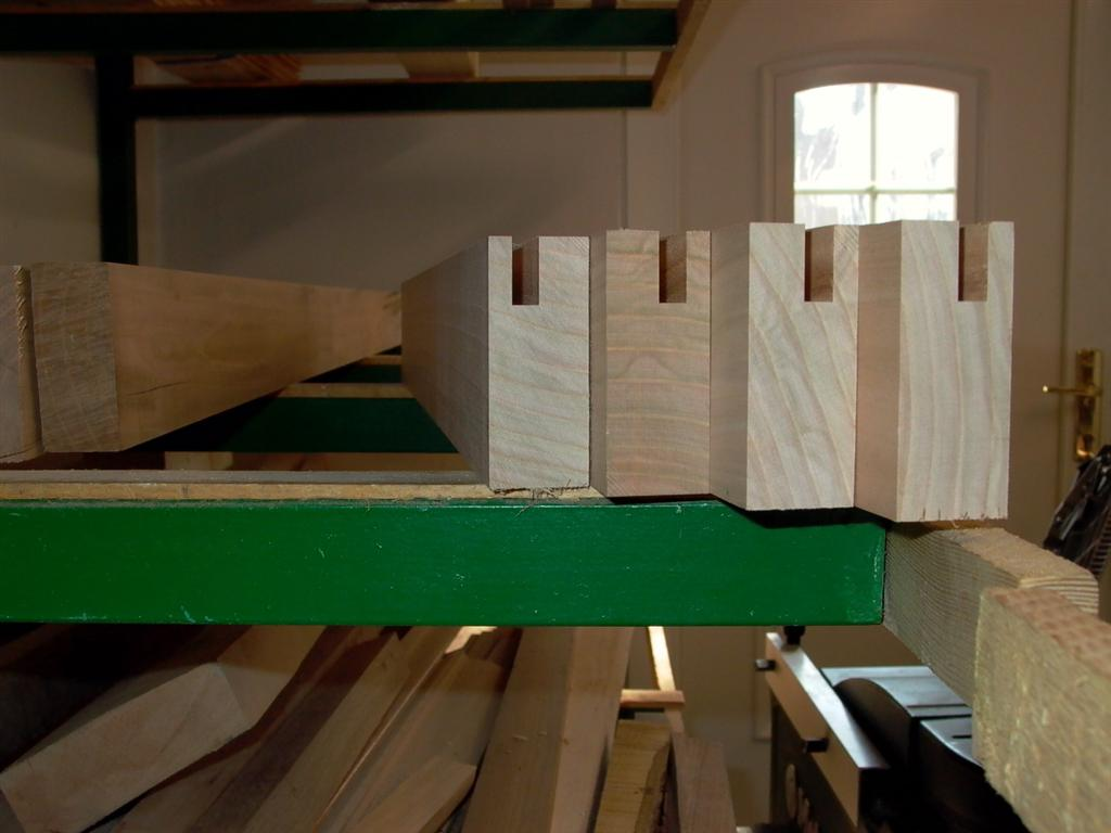 projekt stehpult holz. Black Bedroom Furniture Sets. Home Design Ideas