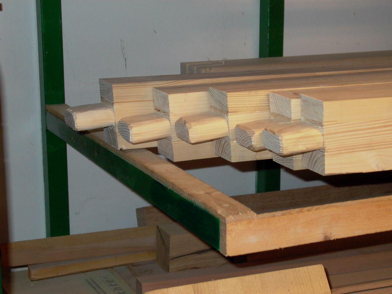 Gefräste schräge Zapfen mit dem Stechbeitel nachbearbeitet